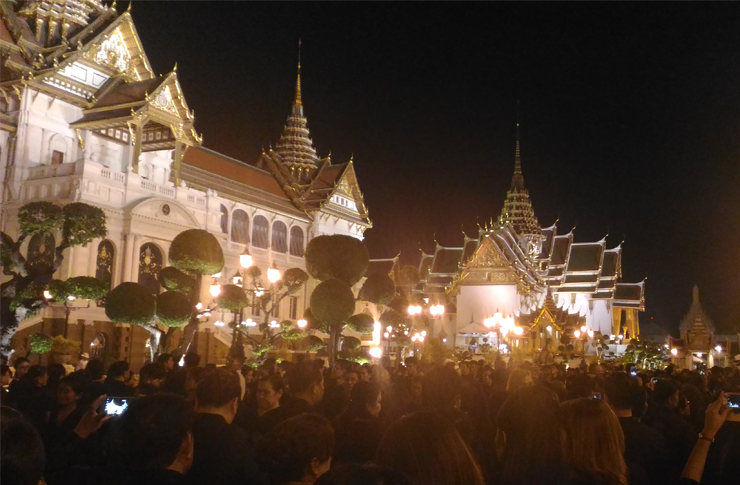 Thousands came to pay their respects to the late king | Image: Wikimedia Commons
